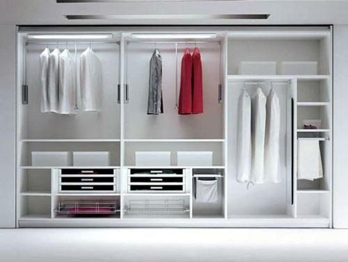 Sử dụng tủ quần áo âm tường là giải pháp thiết thực cho các căn phòng có diện tích nhỏ