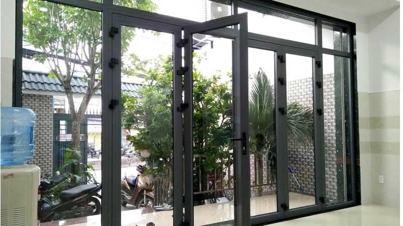 Cửa kính cường lực khung nhôm Xingfa chính hãng