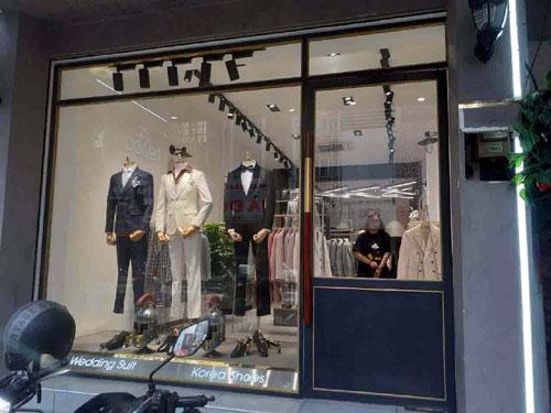 Cửa kính shop thời trang- MS01