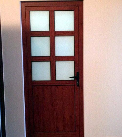 Mẫu cửa nhôm giả gỗ phòng ngủ_ MS02