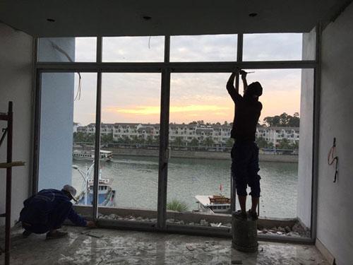 Sửa cửa nhôm kính Bình Tân tận nhà