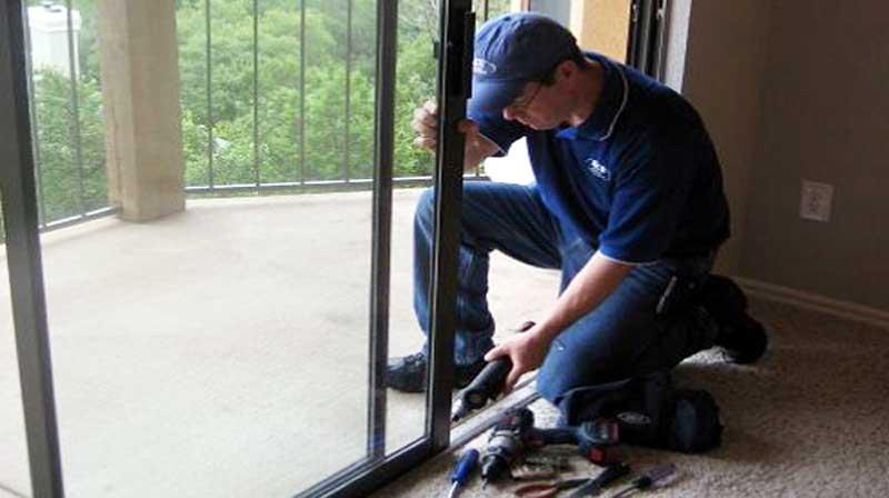 Sửa cửa nhôm kính Thủ Đức tại nhà giá rẻ