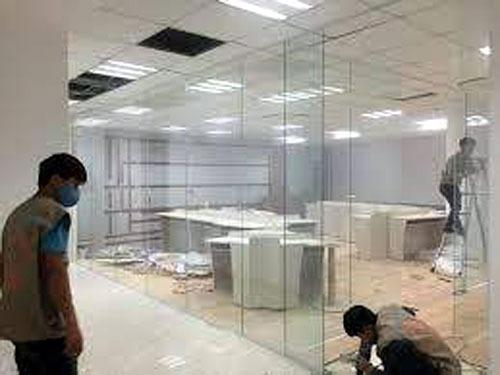 Sửa cửa kính văn phòng tại quận &
