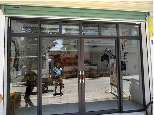 Cửa nhôm Việt Pháp cho cửa đi chính