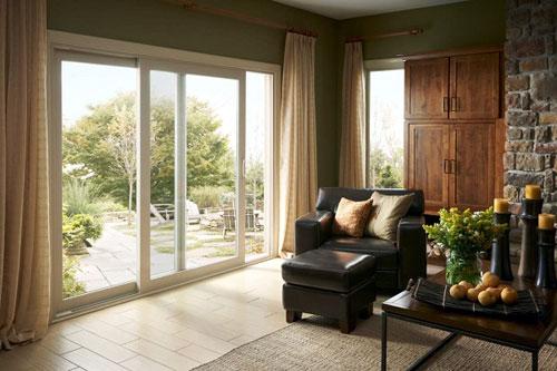 Mẫu cửa nhôm Xingfa hệ 95 đẹp cho ban công phòng khách