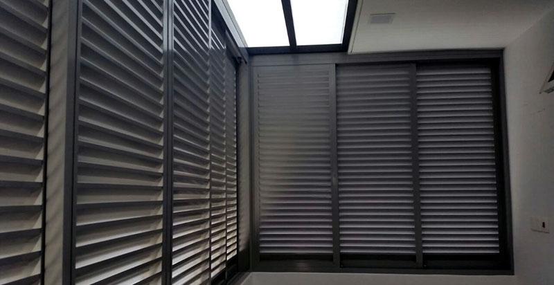 Cửa nhôm Xingfa lá xách đẹp cho cửa sổ