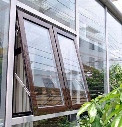 Mẫu cửa sổ mở hất đẹp màu nâu cafe