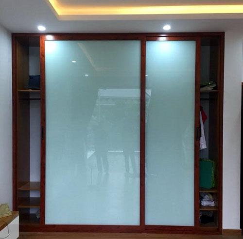 Tủ âm tường nhôm kính đựng quần áo tại TpHCM