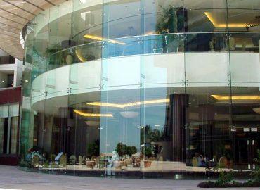 Vách kính mặt tiền- mặt dựng đẹp tại TP.HCM