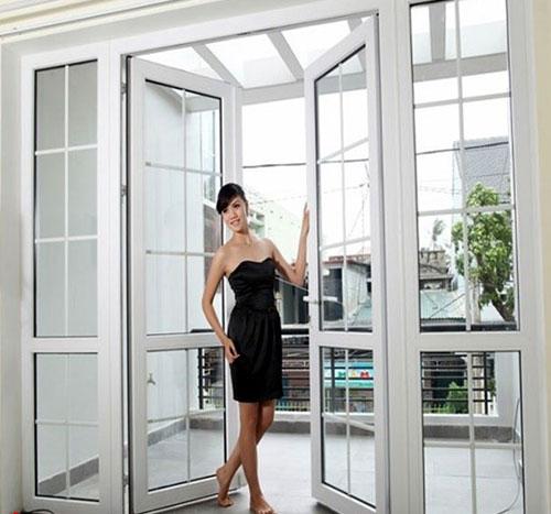 Cửa nhôm kính chia ô đẹp- MS10