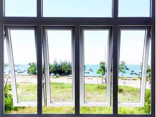 Cửa nhôm 4 cánh đẹp cho cửa sổ mở hất