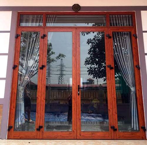 Cửa nhôm giả gỗ 4 cánh đẹp- MS01