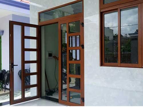 Mẫu cửa nhôm sơn tĩnh điện kiểu chia ô đẹp