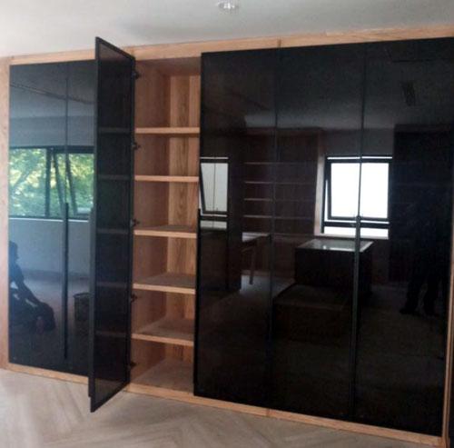 Cánh cửa nhôm Xingfa kính đẹp cho tủ quần áo