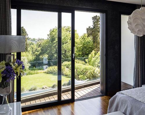 Mẫu cửa nhôm kính lùa 2 cánh đẹp cho phòng ngủ