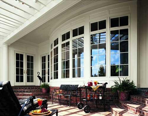 Mẫu cửa sổ nhôm kính đẹp màu trắng sơn tĩnh điện