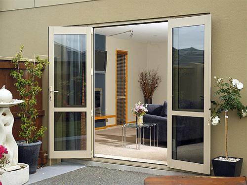 Mẫu cửa nhôm kính 2 cánh đẹp kiểu mở gạt
