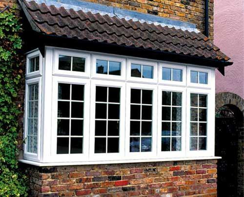 Mẫu cửa nhôm kính trắng sứ đẹp cho cửa sổ