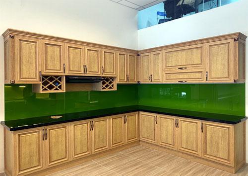 Mẫu tủ bếp nhôm Omega giả gỗ tự nhiên đẹp
