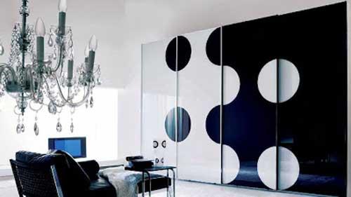 Mẫu tủ âm tường phòng khách đẹp bằng nhôm kính