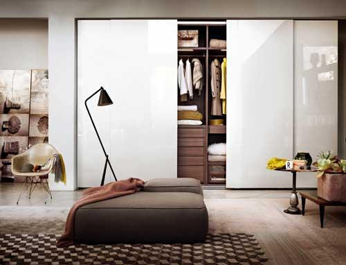 Mẫu tủ âm tường phòng ngủ đẹp cánh lùa
