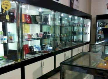 Lắp đặt tủ nhôm kính trưng bày mỹ phẩm giá rẻ