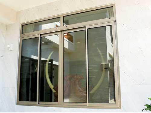 Làm cửa nhôm Civro chính hãng 4 cánh cho cửa sổ