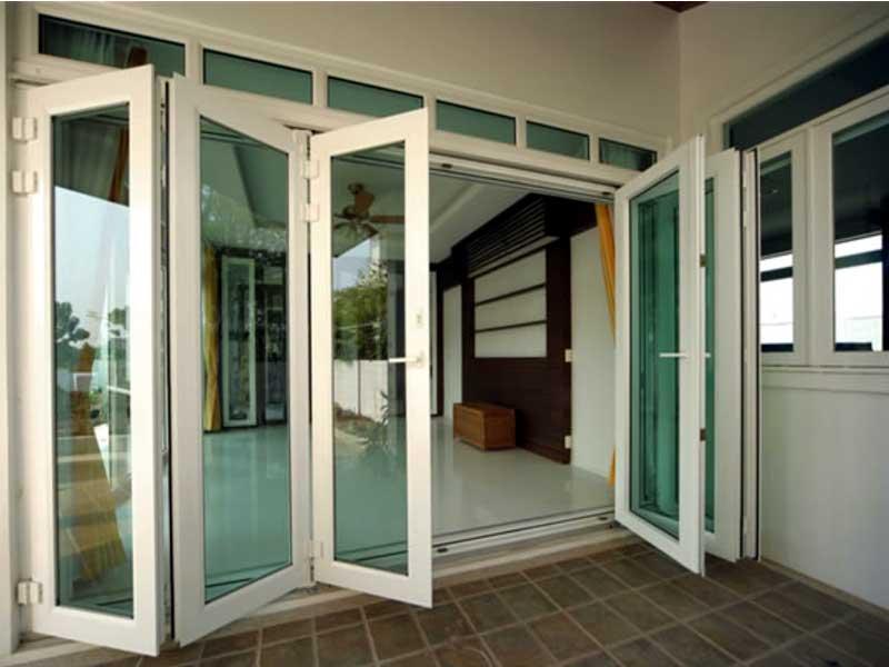 Mẫu cửa nhôm kính eurowindow đẹp màu trắng sứ