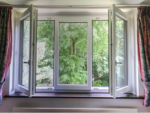 Cửa sổ nhôm Xingfa 3 cánh màu trắng sứ