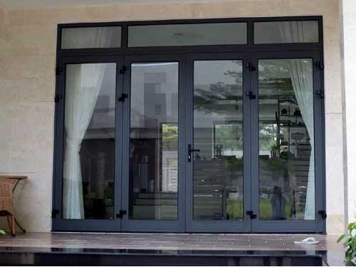 Mẫu cửa nhôm Xingfa màu xám ghi đẹp