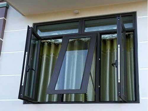 Cửa sổ nhôm kính phòng ngủ màu đen