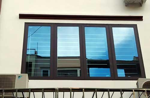Mẫu cửa sổ nhôm Xingfa hệ 93 đẹp mở lùa