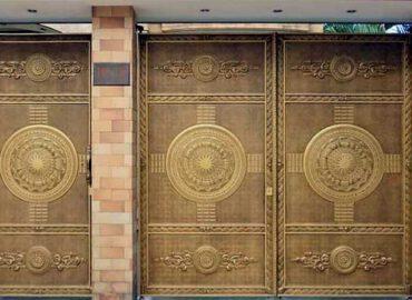 Mẫu cổng cửa nhôm đúc biệt thự đẹp 2021