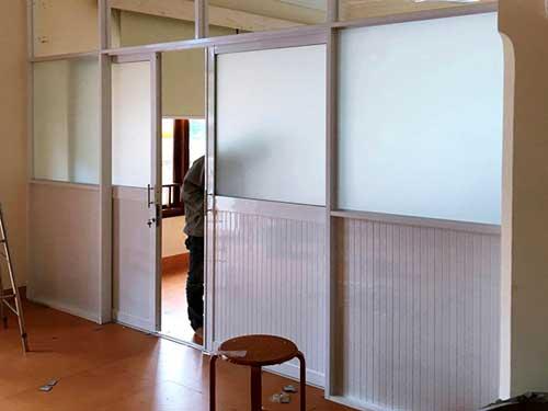 Vách ngăn nhôm cửa lùa đẹp cho phòng khám