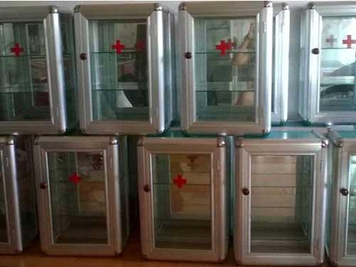 Tủ thuốc gia đình bằng nhôm kính