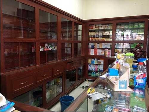 Tủ thuốc tây nhôm kính màu giả gỗ